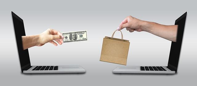 Internetové bazary s oblečením, aneb jak prodávat